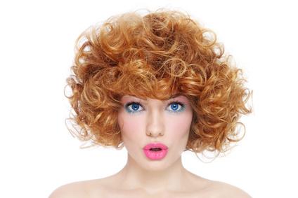 una tinta capelli naturale per la pelle sensibile